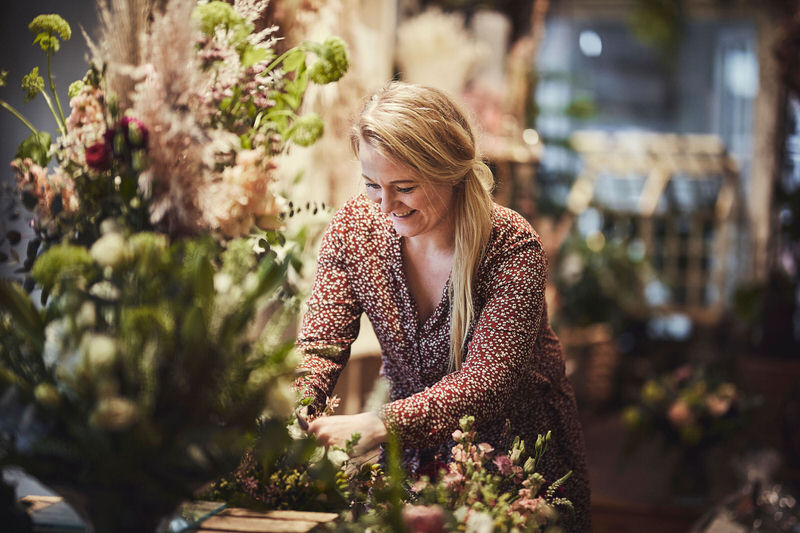 Blomsterdekoratør Regitze Høeg Henriksen – indehaver af Tromborg Blomster i Horsens