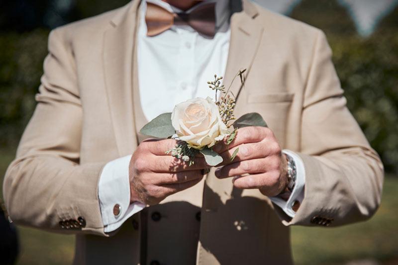 Knaphulsblomst bryllup