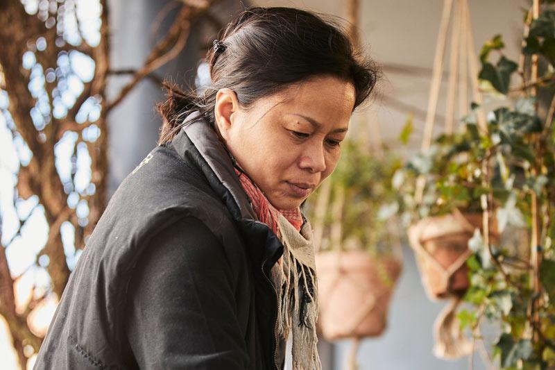 Blomsterbinder Thi Kim Van Do hos Tromborg Blomster i Horsens