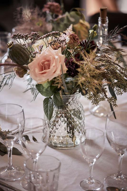 Blomsterpynt til bryllup