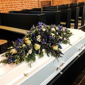 Bestil smukt kistepynt til bisættelse/begravelse i Horsens og omegn