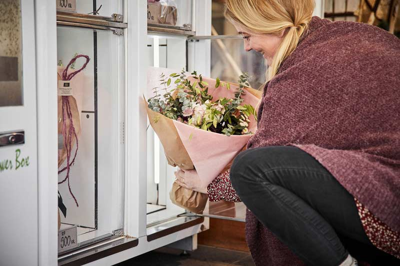 Blomsterautomaterne gør det muligt at købe håndbundne kvalitetsbuketter når som helst