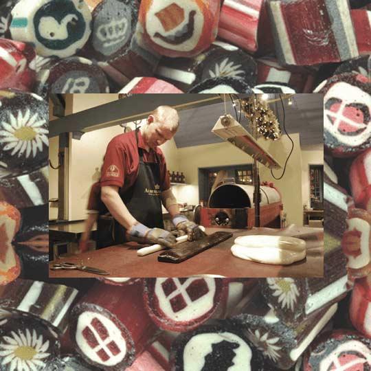Almuegaardens Bolchekogeri leverer søde sager til vores gavekurve til afhentning eller levering i Horsens